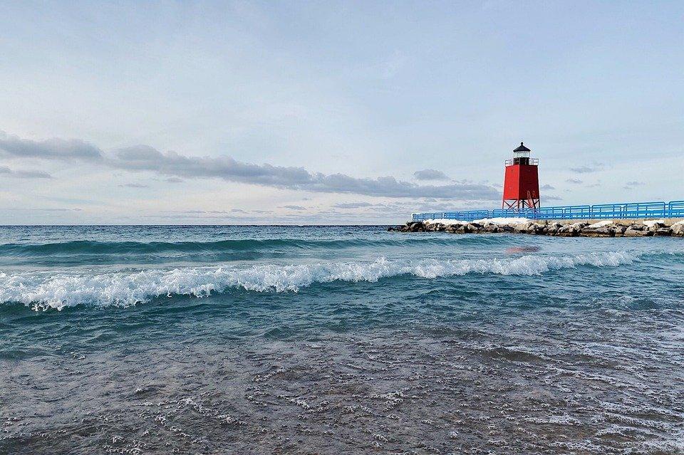https://www.maxpixel.net/Shore-Lighthouse-Lake-Michigan-Great-Lakes-4744502